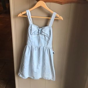 Adorable light denim dress!